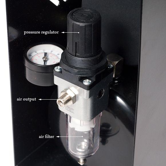 Klipno/bezuljni kompresor za airbrush AS18A sa metalnim kućištem i rezervoarom od 0.5l