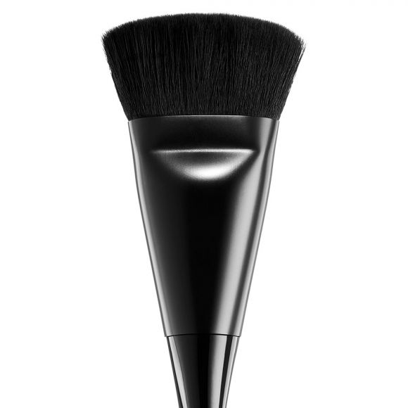 Četkica za konturisanje NYX Professional Makeup Artistry PROB23